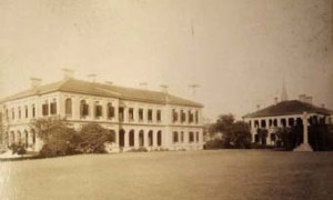 The consulate and Supreme Court offices building and the consul-general's residence at Shanghai in about 1910.
