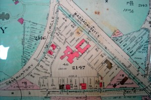 Part of Baist's 1931 real estate map of Washington showing Lot 40 acquired for the new embassy buildings, with Lutyens' subsequent buildings overlaid in pink.