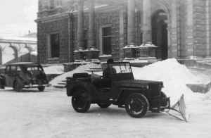Snowplough in front of the mansion, 1950.