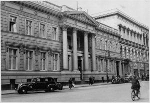 Streetview of Palais Strousberg, 1930s.