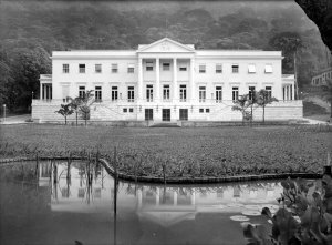 Rio de Janeiro residence in the year of its completion, 1950.
