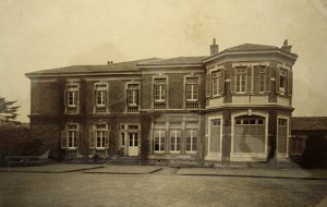 East front of minister's residence, c, 1910.