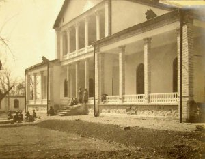New counsellor house nearing completion, 1908.