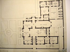 Ground floor plan, with separate chancery entrance at bottom right, 1911.