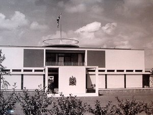 Residence entrance front, 1964.