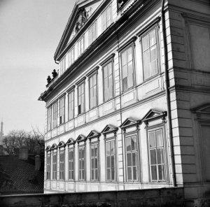 Upper three floors of main eighteenth century facade, 1958.