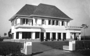 The completed residence, 1932.