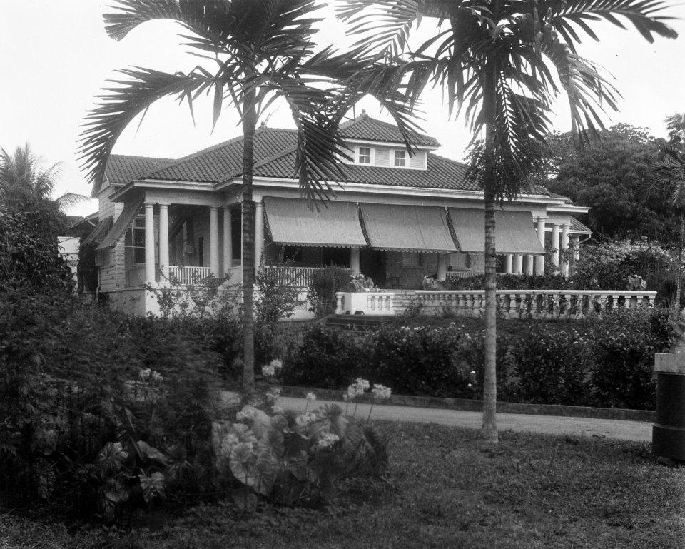 Santo Domingo residence garden front, 1956.